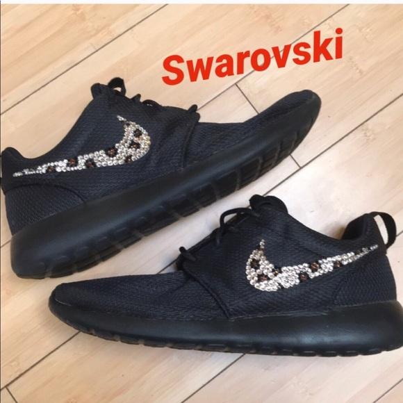4b85190e8ecb Nike Swarovski Roshe Custom Leopard Bling. M 5b48e48ba31c33ce21e41800